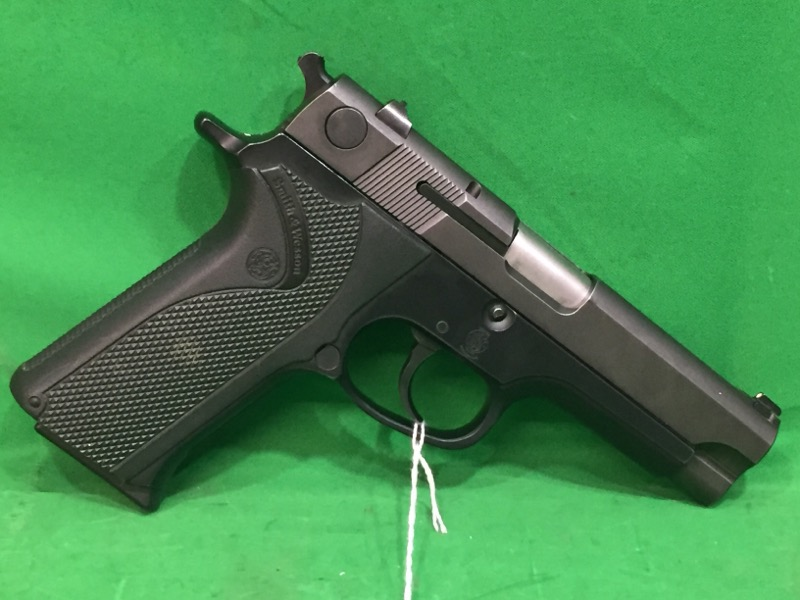 SMITH & WESSON Pistol 915
