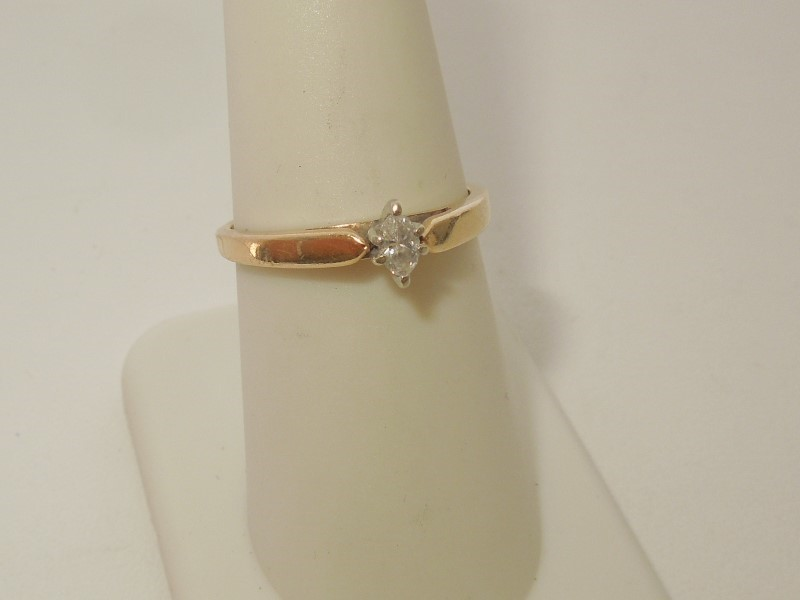 Lady's Diamond Solitaire Ring .10 CT. 10K Yellow Gold 2.2g