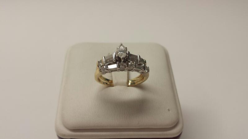 14k Two-Tone 2 Band Ring Set with 13 Diamonds at .97cwt - 3dwt - Size 6