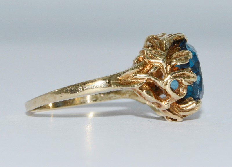 Vintage 14K Yellow Gold Davidson & Sons DASON Blue Topaz Goddess Cocktail Ring