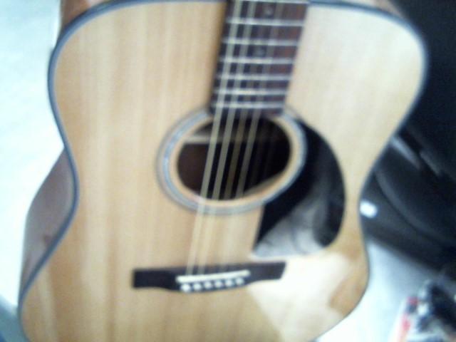 FENDER Acoustic Guitar DG8S