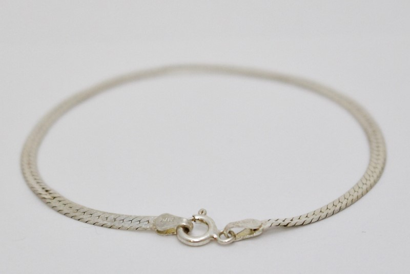 "7"" Sterling Silver Polished 2.5mm Herringbone Bracelet"