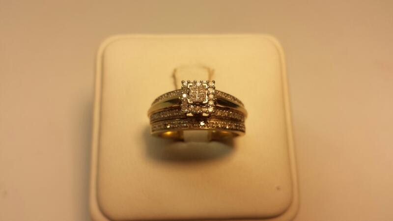 10k Yellow Gold Band Set with 58 Diaomnds at .27ctw - 3.5dwt - Size 6.5