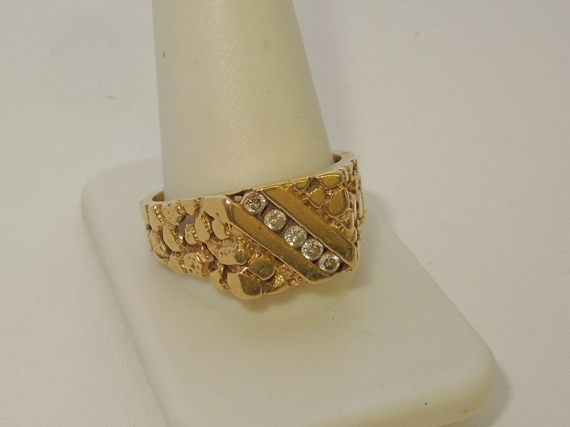 Gent's Diamond Fashion Ring 5 Diamonds .20 Carat T.W. 18K Yellow Gold 9.9g