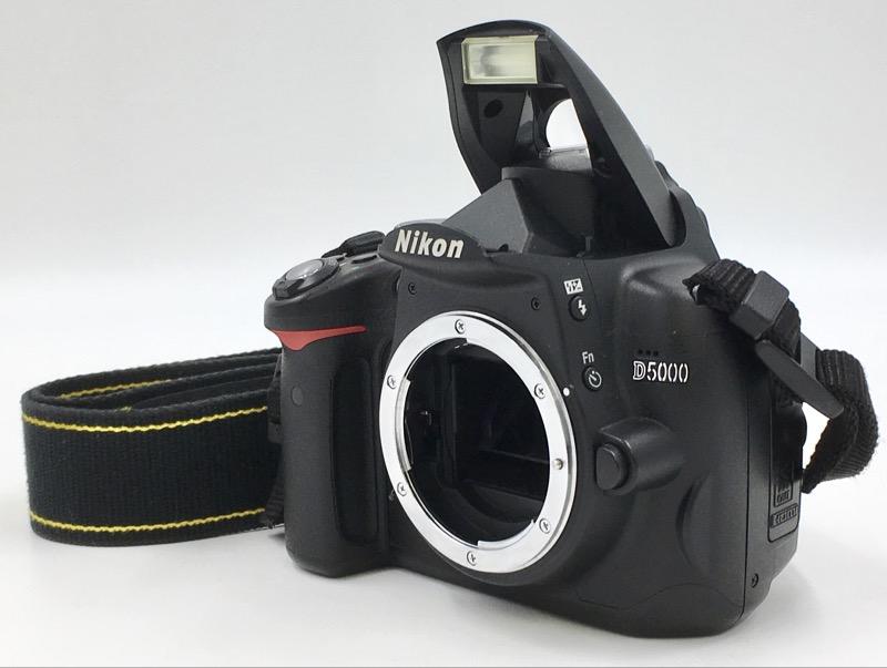 Nikon D5000 12.3 MP DX DSLR CAMERA BODY ONLY 22786 SHUTTER COUNT