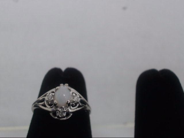Lady's Gold Ring 14K White Gold 1.6g
