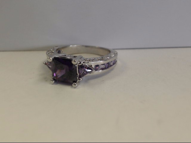 Amethyst Lady's Stone Ring 14K Yellow Gold 3.9g