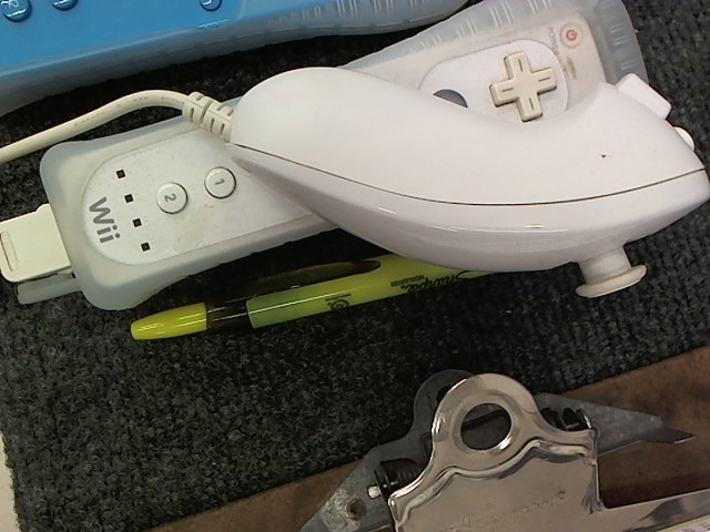 NINTENDO Video Game Accessory WII CONTROLLER AND NUNCHUK