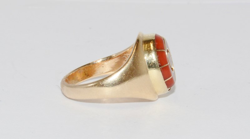 14K Men's Yellow Gold Bezel Cabochon Coral Ring Size 8