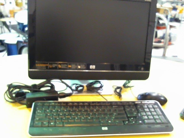 HEWLETT PACKARD PC Desktop MS227