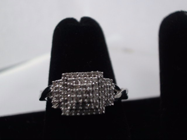 Lady's Silver-Diamond Ring 75 Diamonds 1.50 Carat T.W. 925 Silver 2.7g