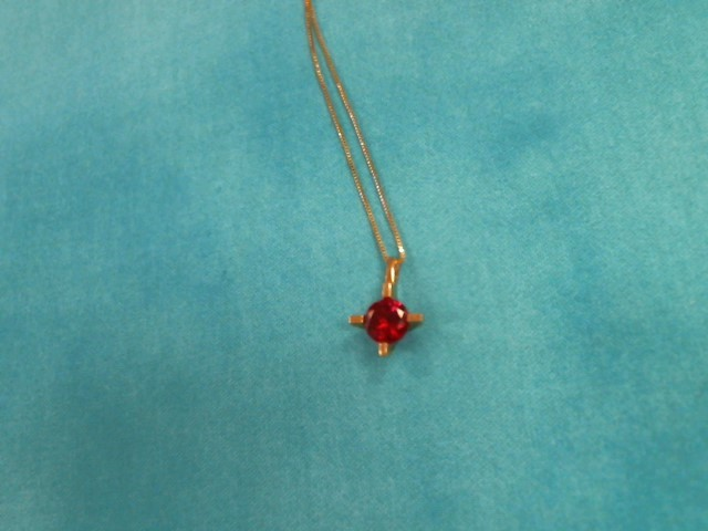 Synthetic Ruby Gold-Stone Pendant 14K Yellow Gold 1.3dwt