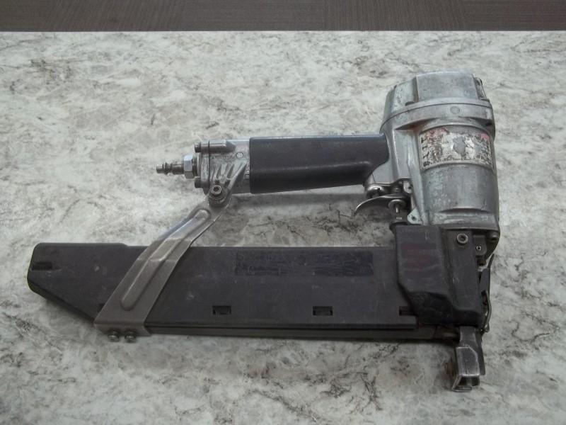 HITACHI STAPLER N5008AC