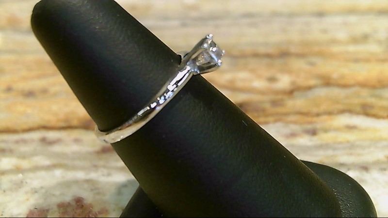 LADY'S 10K WHTIE GOLD 1/5CT PRINCESS CUT DIAMOND SOLITAIRE RING