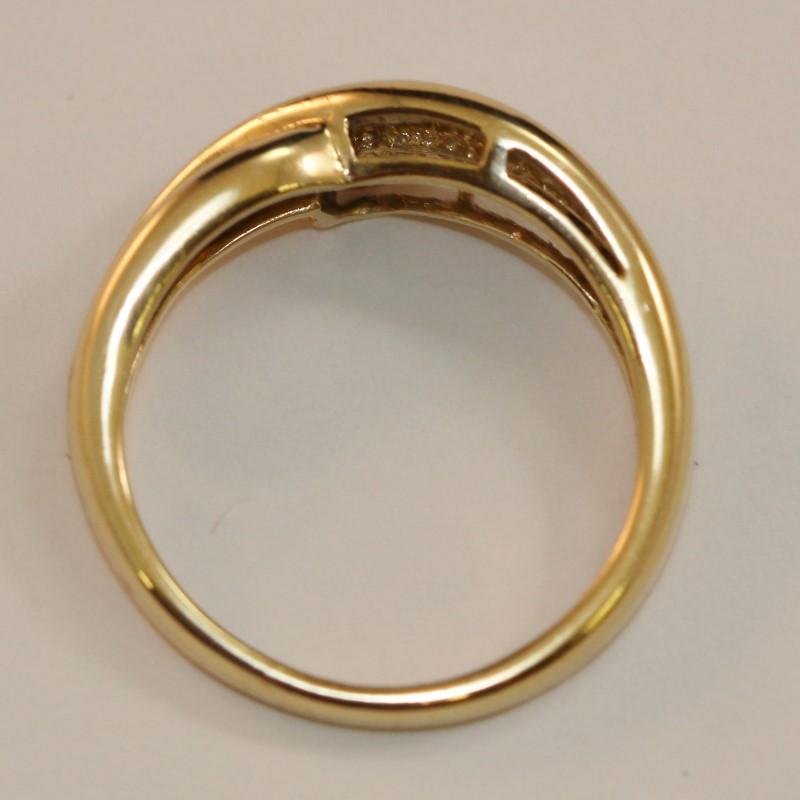 Twisting 14K Yellow Gold Round Brilliant Diamond Fashion Ring Size 7