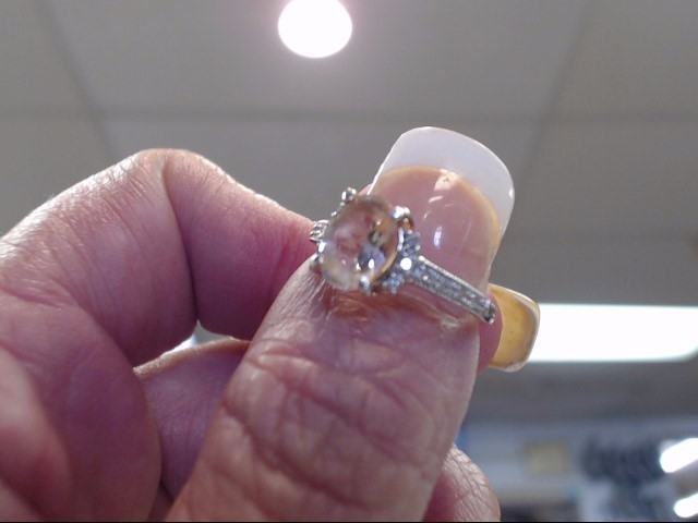 Morganite Lady's Silver & Stone Ring 925 Silver 1.05dwt