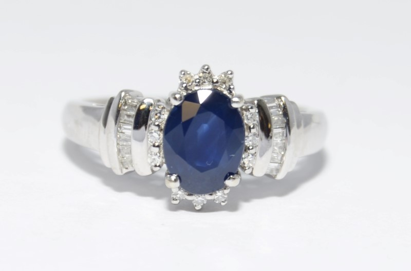 10K White Gold Royal Blue Sapphire & Diamond Engagement Ring Size 7