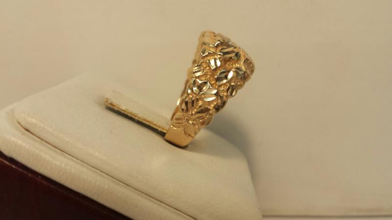 14k Yellow Gold Nugget Ring with 2 White Stones - 8.2dwt - Size 7.5