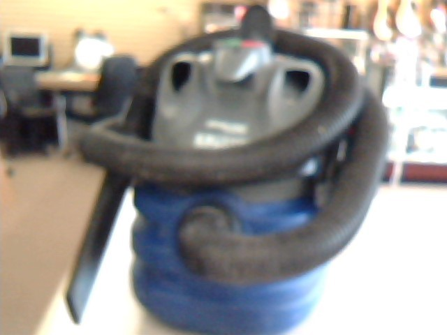 HAWKEYE 5 GALLON SHOP VAC