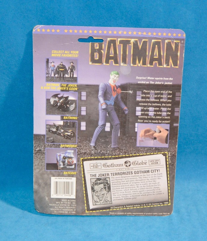 TOY BIZ BATMAN Toys THE JOKER SHOOTS WATER