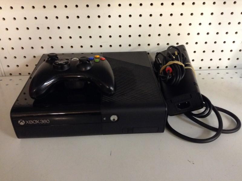 Antique MICROSOFT XBox 360 XBOX 360 - 4GB KINECT - 1538 - CONSOLE