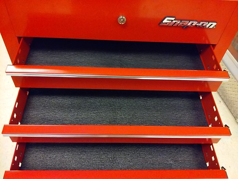 SNAP ON Tool Rollaway Box KRSC33APB0