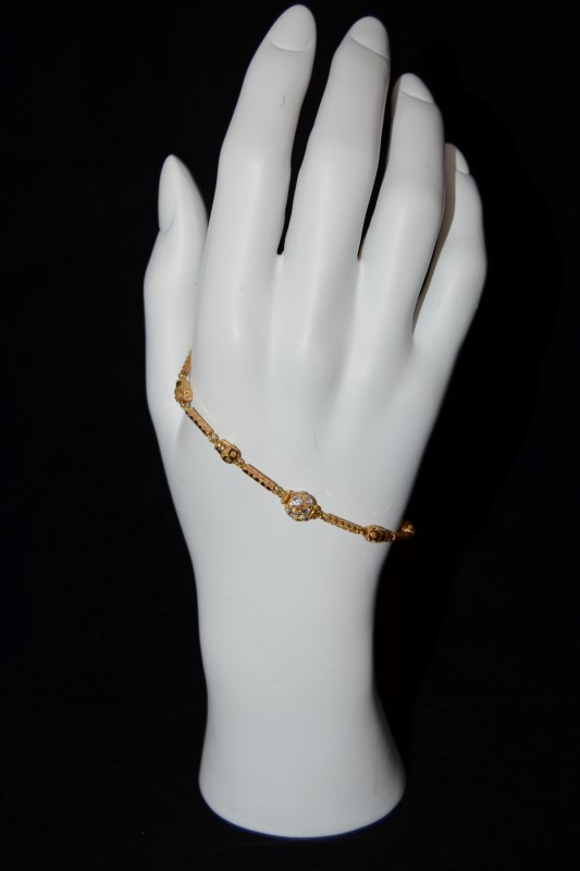 22K Yellow Gold Radiant Bauble Hook Closure Chain Bracelet 6""