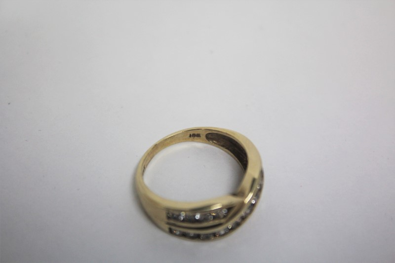Lady's Diamond Wedding Band 19 Diamonds 1.52 Carat T.W. 10K Yellow Gold 3.7g