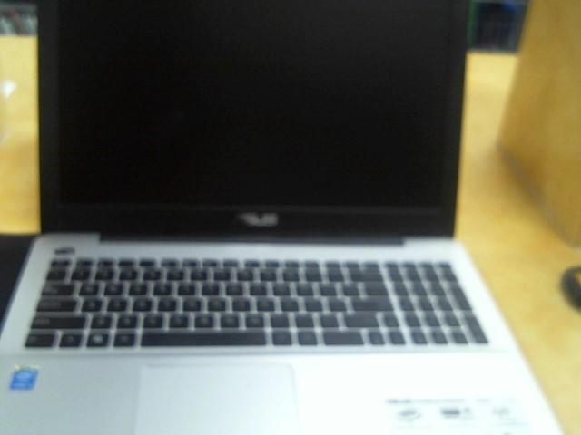 ASUS Laptop/Netbook R556L