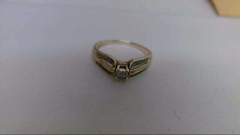 Lady's Diamond Engagement Ring 24 Diamonds .28 Carat T.W. 10K Yellow Gold 2.4g