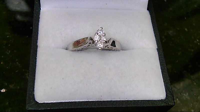 Diamond Cluster 0.16 CT 10K White Gold Ring