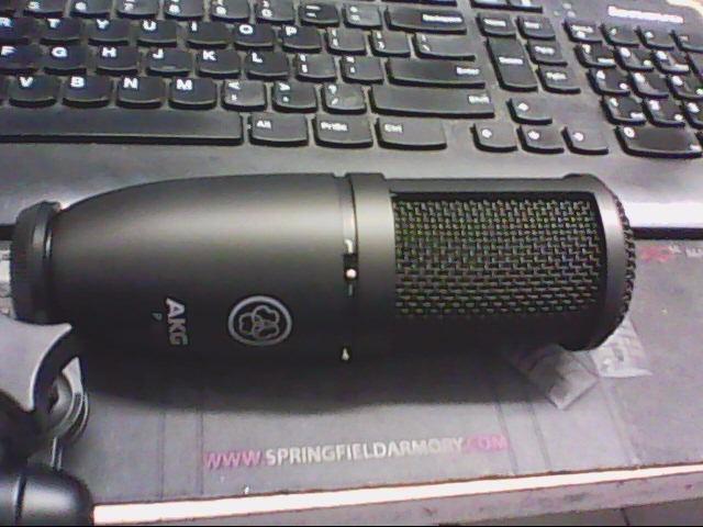 AKG Microphone P120