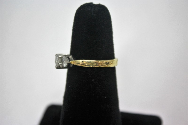Lady's Diamond Fashion Ring 3 Diamonds .92 Carat T.W. 18K Yellow Gold 5.3g