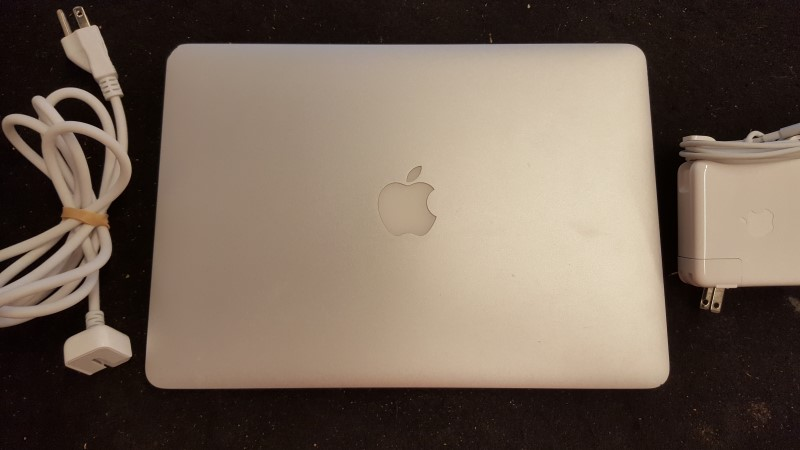 APPLE Laptop/Netbook MACBOOK AIR A1369