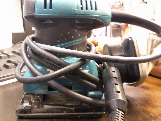 MAKITA Vibration Sander SANDER BO4556