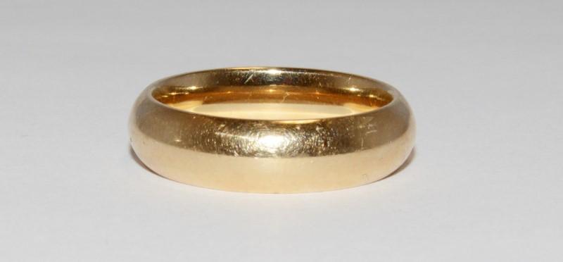 14K Men's Yellow Gold Wedding Band Size 10