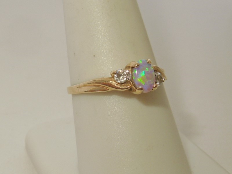 Synthetic Opal Lady's Stone Ring 10K Yellow Gold 2.5g