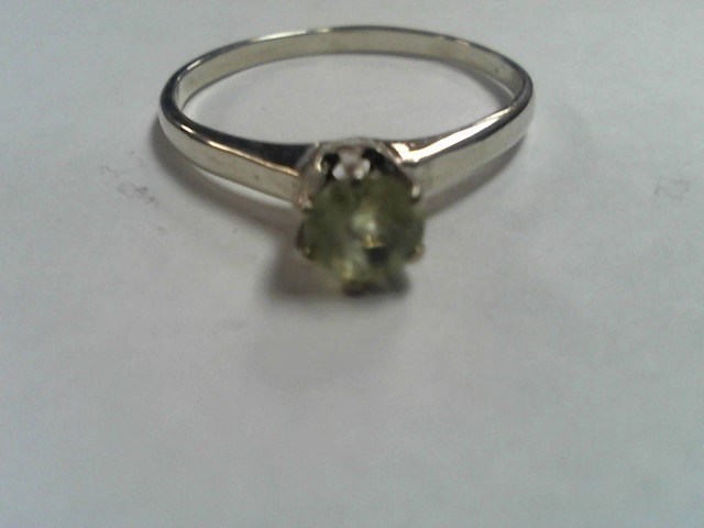 Lady's Silver Ring 925 Silver 1.4g