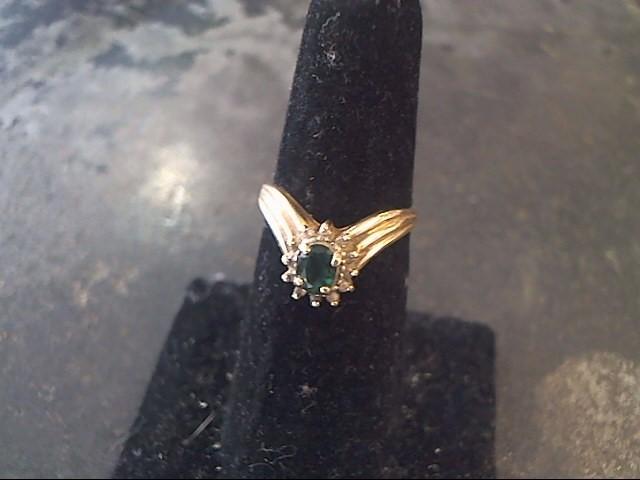 Green Stone Lady's Stone & Diamond Ring 12 Diamonds .24 Carat T.W.