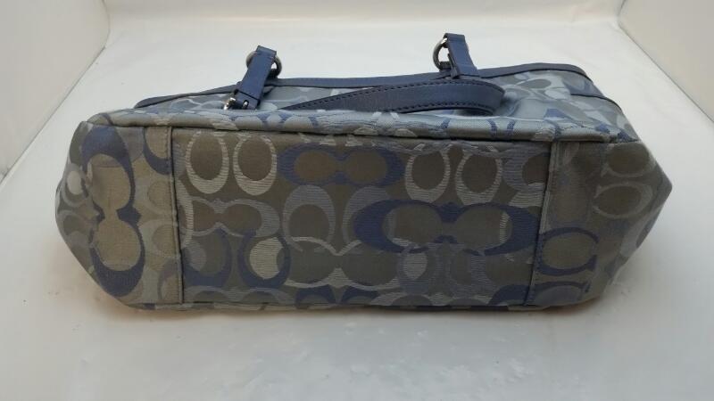Authentic Coach Mono Signature Gallery Optic Blue Handbag Tote F17881