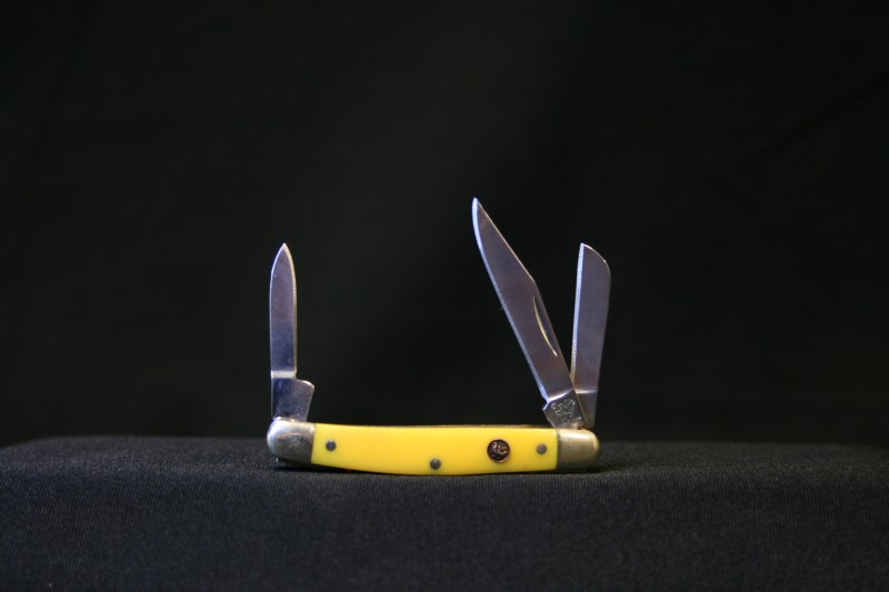 Hen & Rooster 303-Y Yellow Pocket Knife