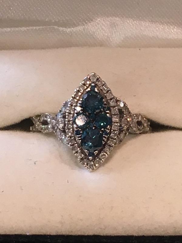 Lady's Diamond Cluster Ring .88 CT. 14K White Gold 2dwt