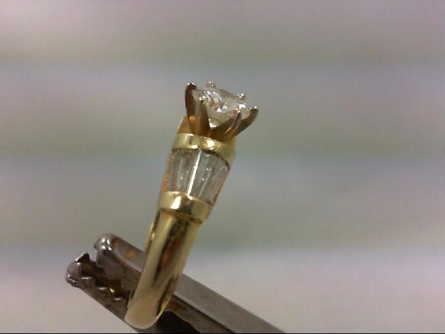 Lady's Diamond Engagement Ring 11 Diamonds 1.25Carat T.W. 14K Yellow Gold