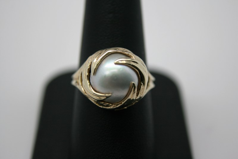 LADY'S FASHION PEARL RING 10K YELLOW GOLD