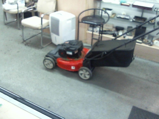 YARD MACHINES Lawn Mower 550EX LAWN MOWER
