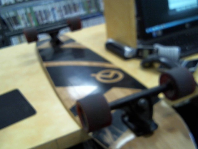 QUEST Skateboard CRUISER LONGBOARD