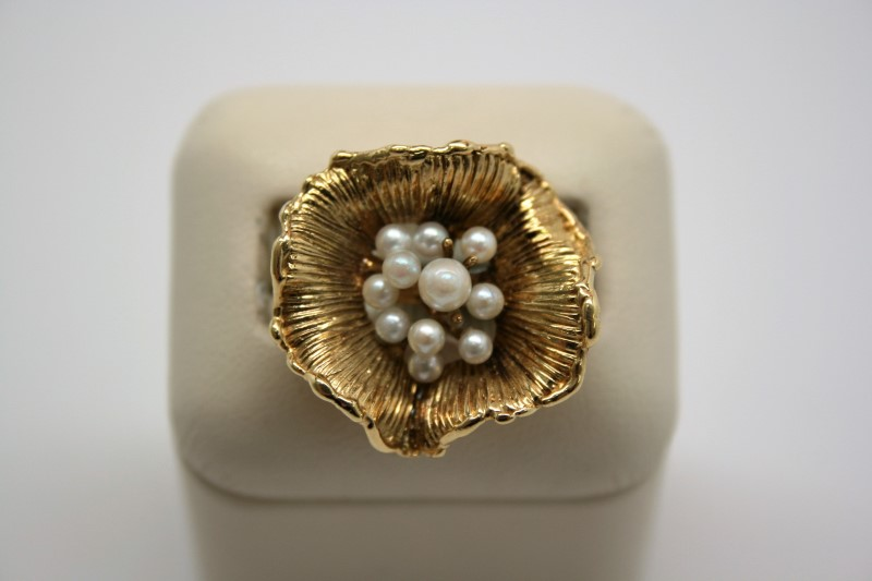 LADY'S FLOWER STYLE PEARL RING 14K YELLOW GOLD