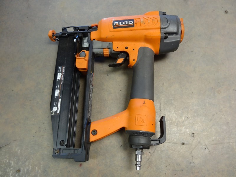 RIDGID TOOLS Nailer/Stapler R250SFA