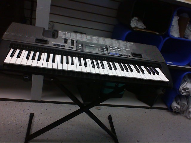 CASIO Keyboards/MIDI Equipment CTK-720