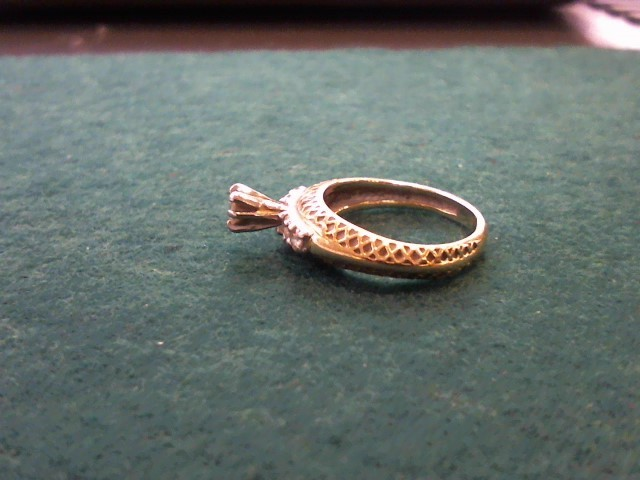 Lady's Gold-Diamond Anniversary Ring 5 Diamonds .27 Carat T.W. 14K Yellow Gold